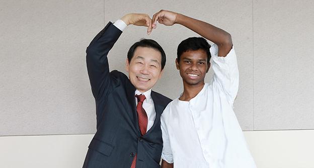 자생의료재단,<br />방글라데시 청년 수술비 전액 지원