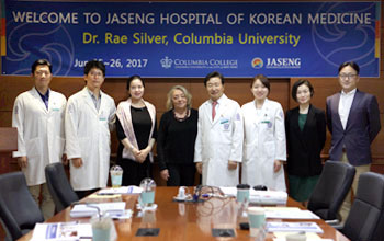 Dr. Rae Silver, a Columbia University faculty member visit on Gangnam Jaseng Hospital